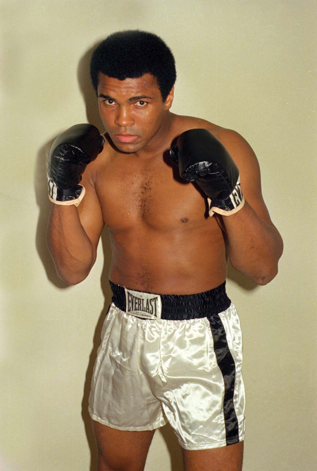 September 15 – Muhammad Alibecomes first boxer to win the heavyweight title thrice by beating Leon Spinks