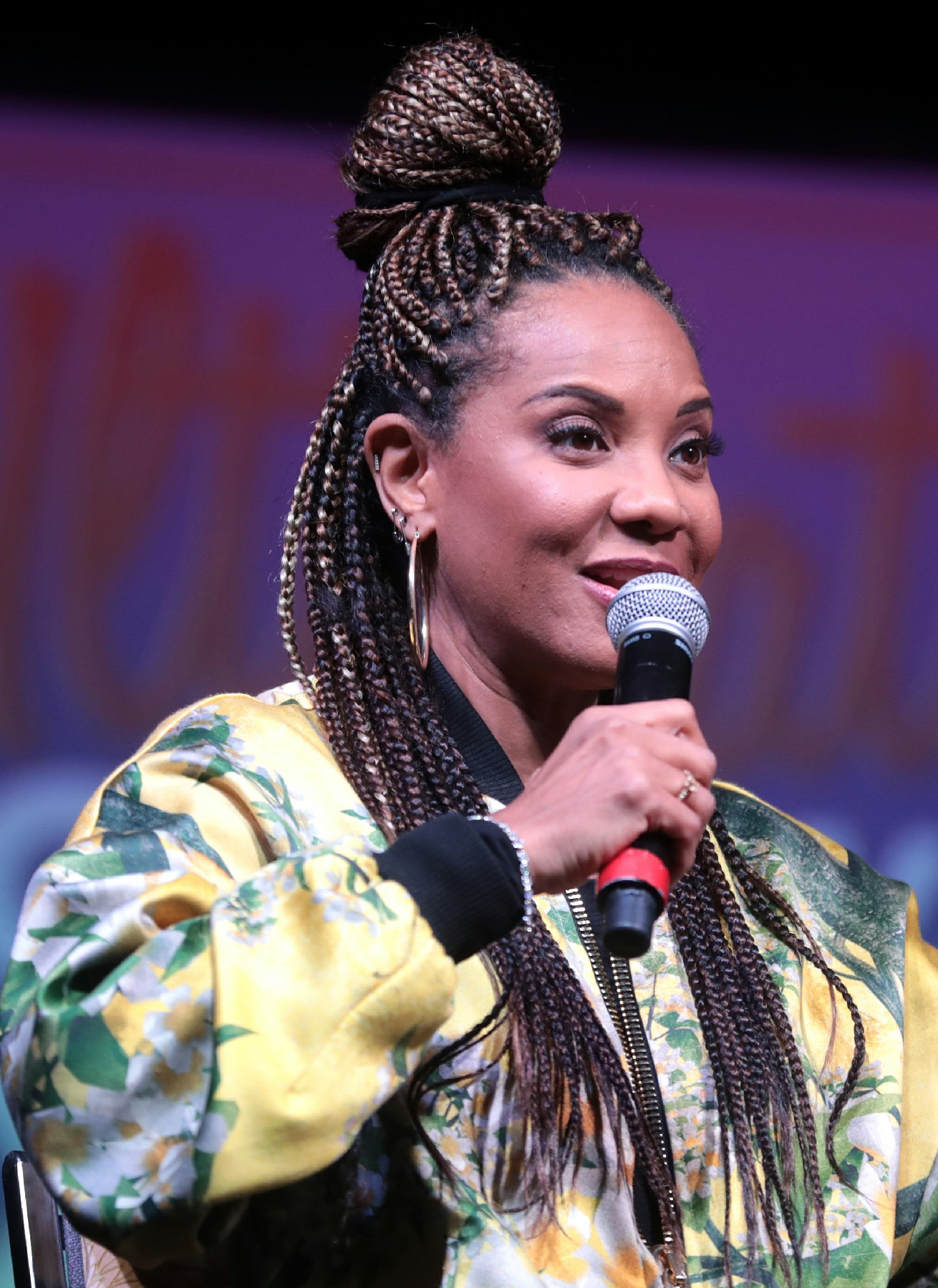 Oct. 11, 1970 – First female rapper to earn a gold single, MC Lyte born